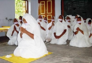 14_-__Kanakprabhaji___Nuns_in_Morning_Prayer_02